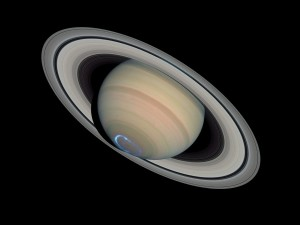 1199px-Saturn_with_auroras